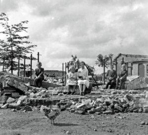 Midden Hagenouw 14-7-1940 uit Dorpen op drift. Foto Jacob de Goeij.